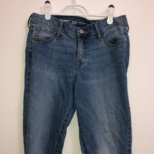Old Navy Super Skinny Mid-Rise jeans. Size 4